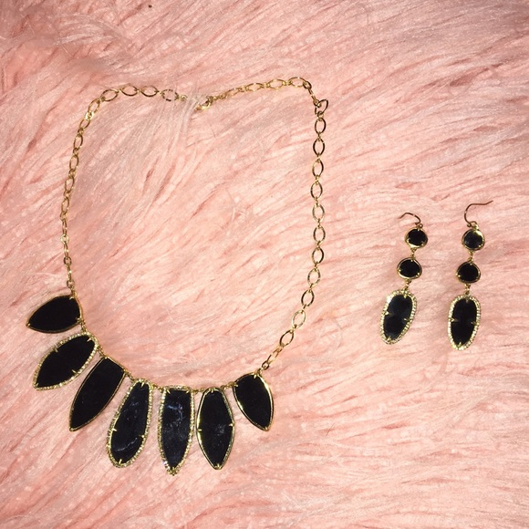 Stella & Dot Jewelry - Statement necklace and earrings